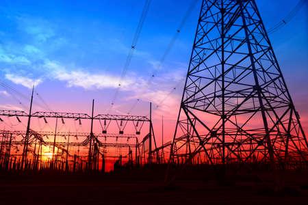 power grid: High voltage power grid
