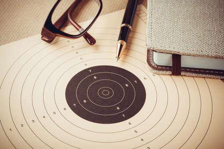 Doelen stellen met een doelgroep, de doelstellingen en de planning concept, bovenaanzicht