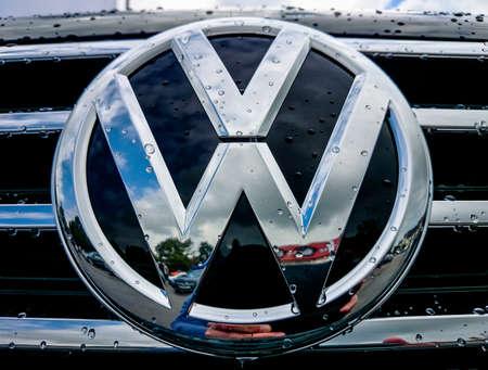 Germering Auto Show, September 20, 2015 Germany - Sunday, VW logo 에디토리얼