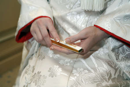 Fan of up to Shiromuku, bride refrain from heart quietly wedding in kimono marriage waiting room Banco de Imagens