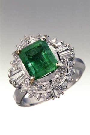 ring: Jewelry image