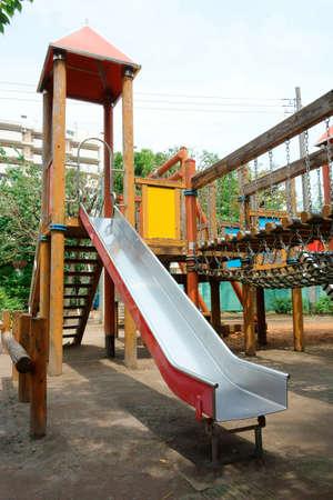 子供の遊び公園、遊び場スライド施設 写真素材