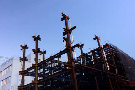 Assembling status of steel frame under construction of a building protruding into the sky