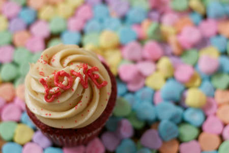 Love Cupcake with Heart Shaped Candy
