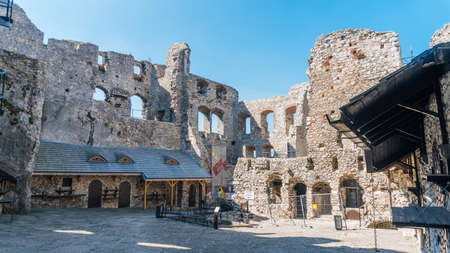 ogrodzieniec: OGRODZIENIEC, POLAND - SEP 03, 2016: Ogrodzieniec Castle is the largest castle of the Krakow-Czestochowa Upland and, undoubtedly, one the most beautiful castles in Poland.