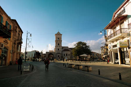 Sunny day on the streets of Larnaca. Saint Lazarus Church in view Redactioneel