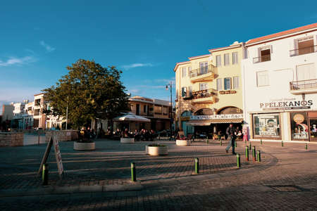 Stores and restaurants in the centre of Larnaca, near the Saint Lazarus Church Redactioneel