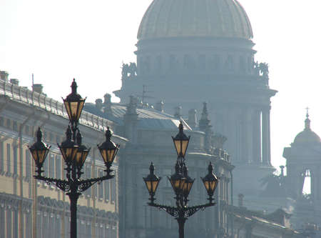 view on Isaakievski cathedral in St. Petersburg                                                        Imagens