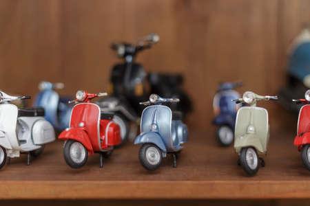 vespa piaggio: Raccolta di scooter giocattolo in miniatura
