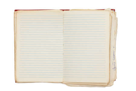 bloc de notas abierto, viejo, aislado en blanco