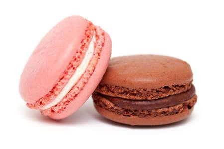 cafe bombon: Macarons coloridos aislados en blanco backrgound Foto de archivo