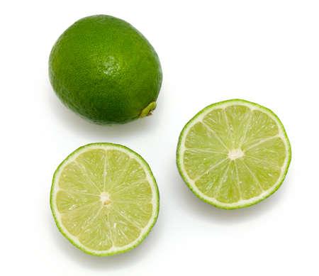 레몬: 라임 흰색 배경에 고립