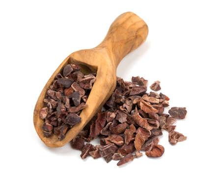 Kakaonibs isoliert auf weiß Standard-Bild - 22576345