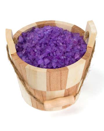 Lawenda sól do kąpieli w wiaderku sauną nad białym