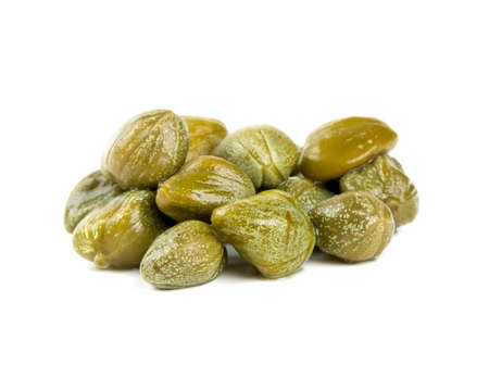 capers isolated on white 版權商用圖片
