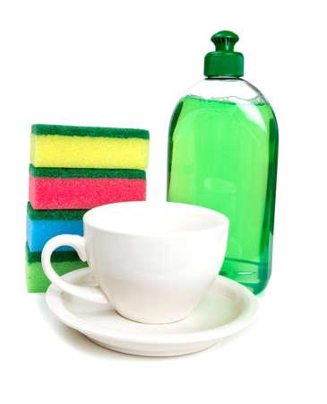 lavar platos: herramientas para lavar platos y taza limpia Foto de archivo