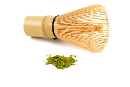 Poudre de thé vert Matcha et fouet en bambou Banque d'images - 37729983