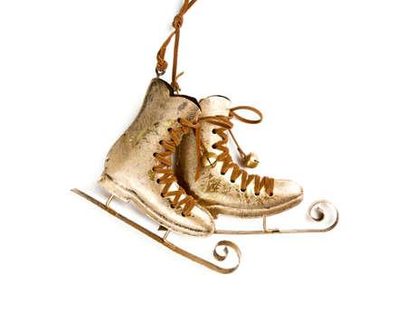 patinaje sobre hielo: Patines de hielo con decoración de Navidad Foto de archivo