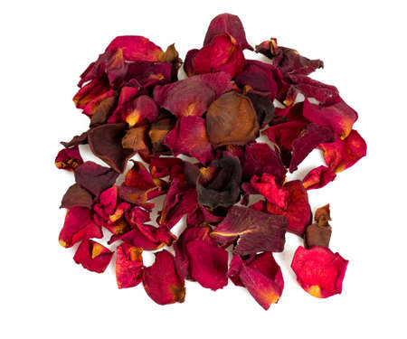 rose petals: dried red rose petals
