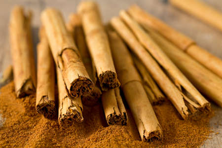 ceylon: ceylon cinnamon sticks