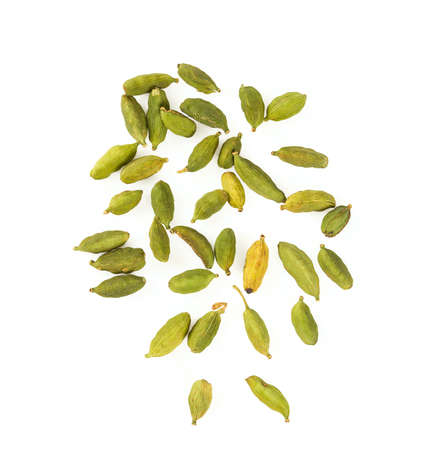 cardamom isolated on white 写真素材