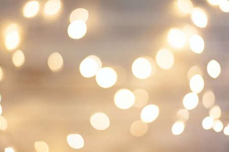 luces navideñas amarillas desenfocadas