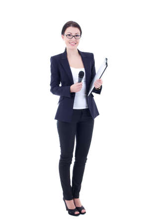 vrouwelijke journalist met microfoon en klembord op een witte achtergrond Stockfoto