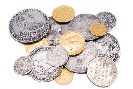 monedas antiguas: Una colección de monedas rusas de oro y plata (18-19 siglo) Foto de archivo