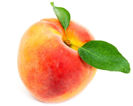 the peach: Peach with leaves isolated on white background