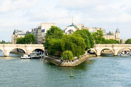 cite: Ile de la Cite, Paris