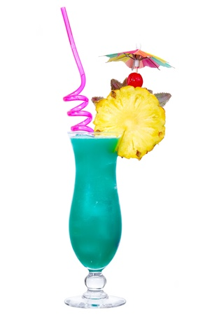 blue hawaiian drink: Cocktail Blue Hawaii isolated on white