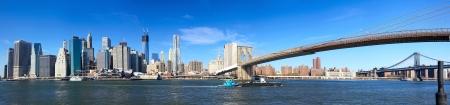 Panoramisch uitzicht op de skyline van Manhattan en Brooklyn Bridge in New York