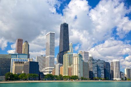 都市の高層ビル、イリノイ、米国のシカゴのスカイライン