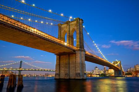 brooklyn: Brooklyn Bridge at twilight in New York City