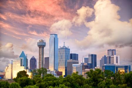 Dallas City skyline bij zonsondergang, Texas, USA