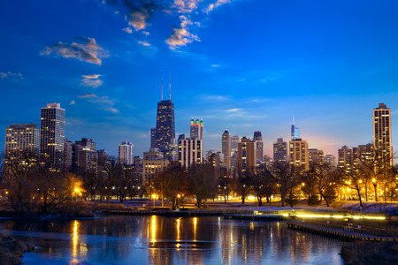 night skyline: Chicago skyline at dusk, IL, United States
