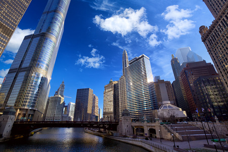 illinois river: Chicago River Walk with urban skyscrapers, IL, United States Stock Photo