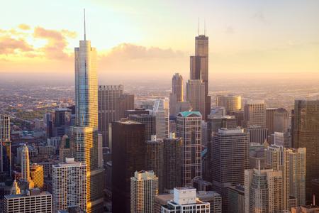 Chicago wolkenkrabbers bij zonsondergang, luchtfoto, Verenigde Staten Stockfoto