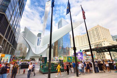 NEW YORK CITY, NY, USA - SEPTEMBER 15, 2018: Hub transportation at Ground Zero with view of One World Trade Center in Lower Manhattan Editöryel