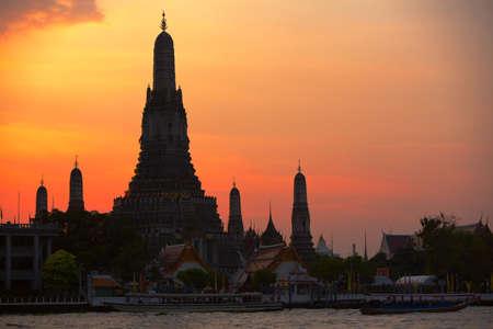 Temple of Dawn, sunset view, Bangkok, Thailand