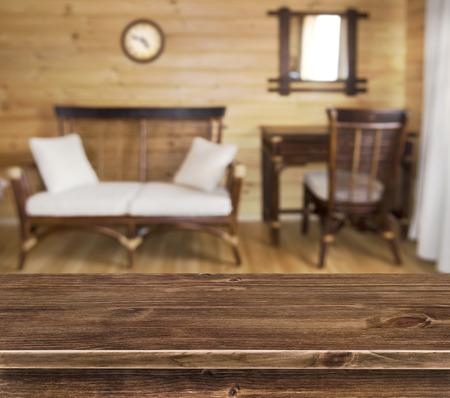 muebles de madera: Tabla superficie sobre elegantes muebles de madera de fondo Foto de archivo