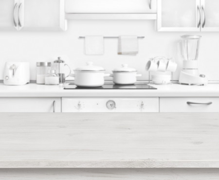 흰색 나무 테이블 현대 부엌 인테리어 배경, 파스텔 색상