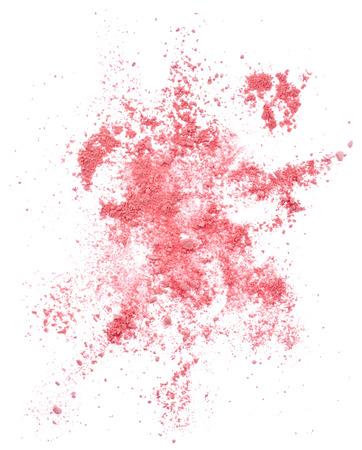 핑크 흩어져있는 얼굴 가루는 흰색 배경에 고립 된