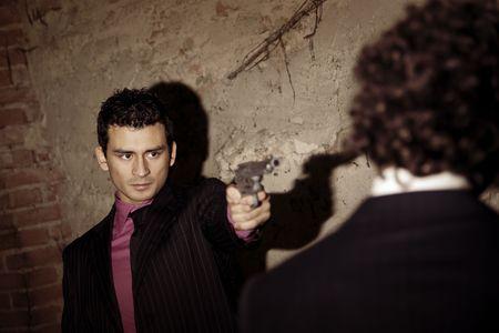 desencadenar: Asesinato en acci�n: el gangster va a presionar el gatillo!