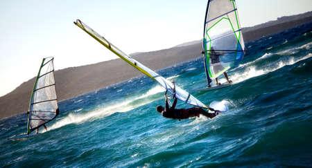 competitividad: deportes de verano: windsurf de velocidad r�pida  Foto de archivo