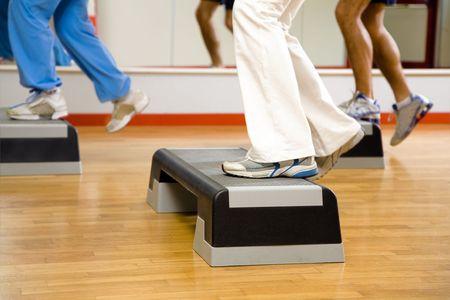 foot step: health club: gruppo di persone che fanno aerobica  Archivio Fotografico