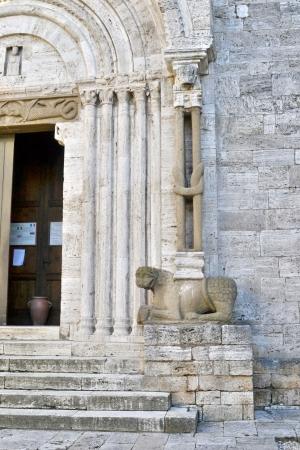 san quirico: San quirico d Orcia town hall, church