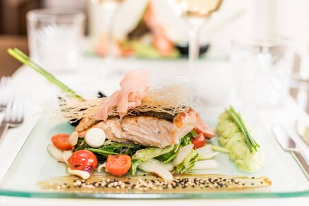 Asian dish with shrimp, salmon and sauce Banque d'images
