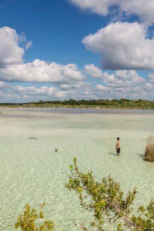 roo: Bacalar Lake at Riviera MAya, Quinatana Roo. Tour.
