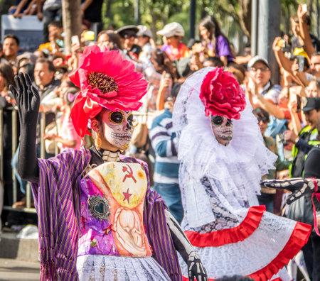 Día de los muertos (Dia de los Muertos) desfile en la ciudad de México - México Foto de archivo - 75599798